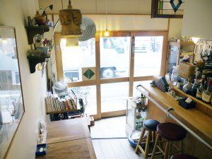 香麦荘店内。小さなお店です。