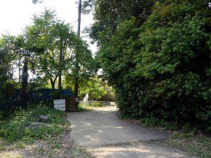 桃月園入り口。